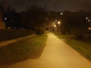 Samsung Galaxy S8 recenze fotoaparát noc ulice cesta