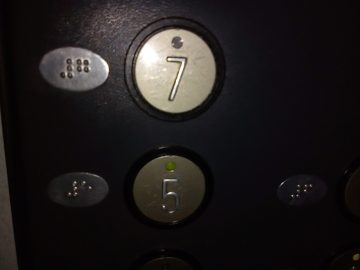 Nokia 1 fotografie tlacitka
