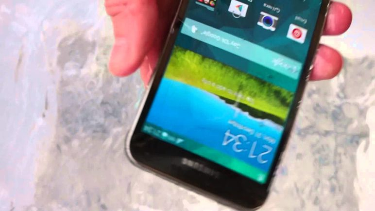 Samsung Galaxy S5 test vodotěsnosti 2
