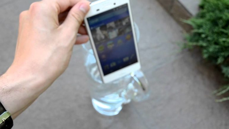 Sony Xperia M4 Aqua - ponoření do vody